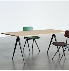 HAY PYRAMID TABLE 02 - TAFEL